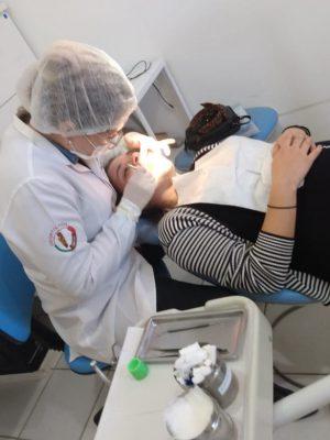 tratamento-odontologico-foto-arquivo