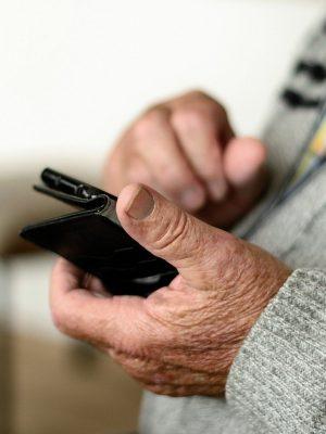 idoso-celular