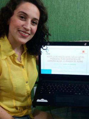 kamili-de-jornalismo-desenvolveu-o-trabalho-com-marcelo-de-eng-da-computacao