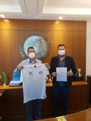 caravaggio-confirma-ingresso-no-futebol-profissional-divulgacao